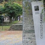 Brama wejściowa do Zamku Gamba w Chatillon