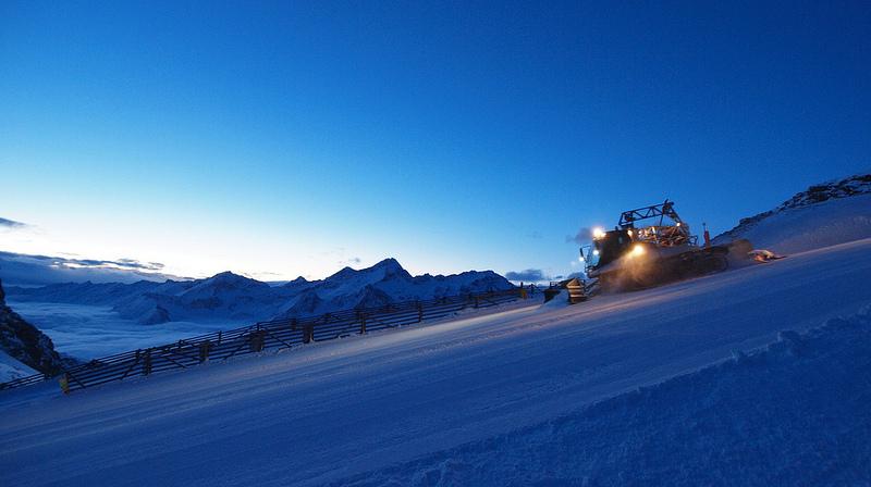 Trasa narciarska na przełęczy Bettaforca (2727 m n.p.m.), która łączy Dolinę Lys i Dolinę Ayas. Monte Rosa Ski. Źródło http://www.flickr.com/photos/monterosa-ski/