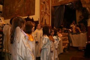 Jasełka w kościele w Issogne w Noc Wigilijną.