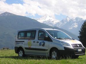 Usługa autobus na telefon Allo Bus działa w Aoście od 2008 roku.