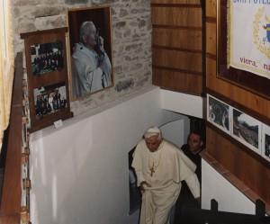 Benedykt XVI z wizytą w Muzeum Jana Pawła II w Les Combes, źródło: Fondazione Grand Paradis.