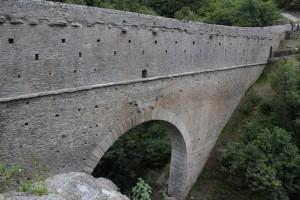 Most akwedukt przed rozpoczęciem prac renowacyjnych i waloryzacyjnych w 2008 roku.