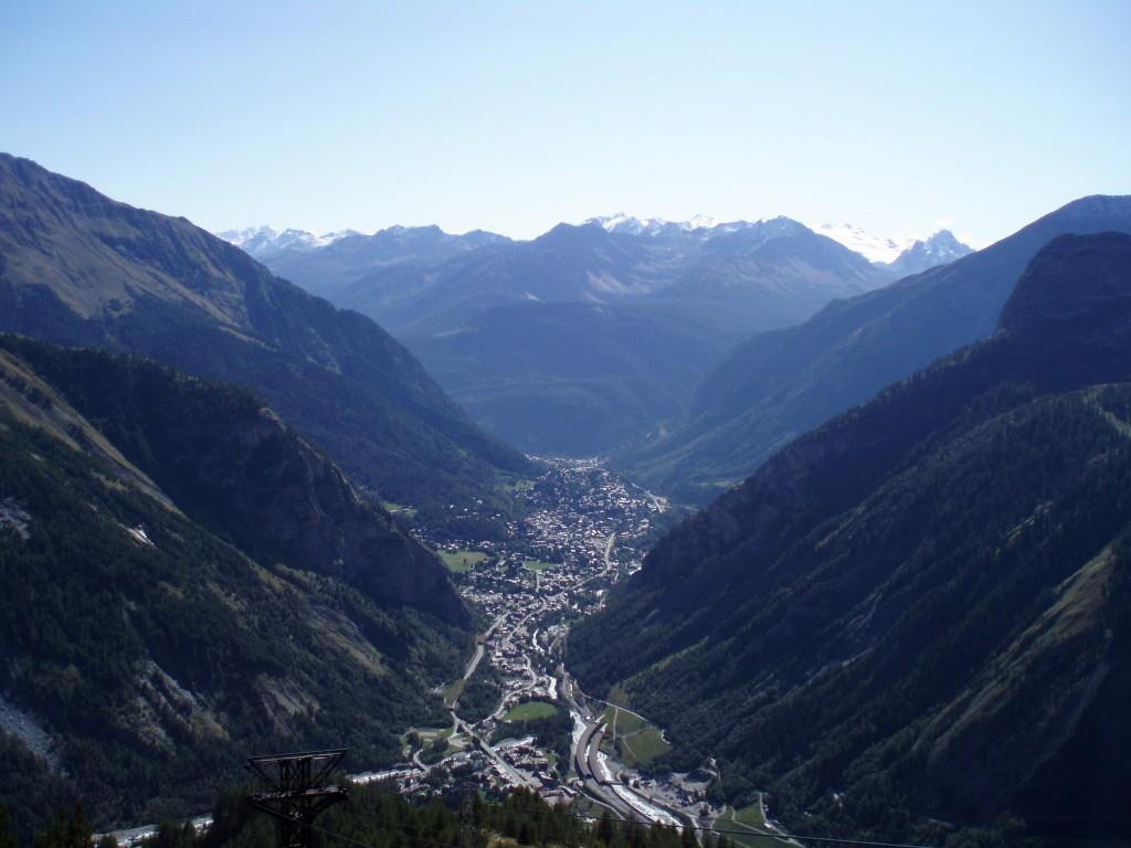 Dolina Aosty, widok z kolejki na Mont Blanc