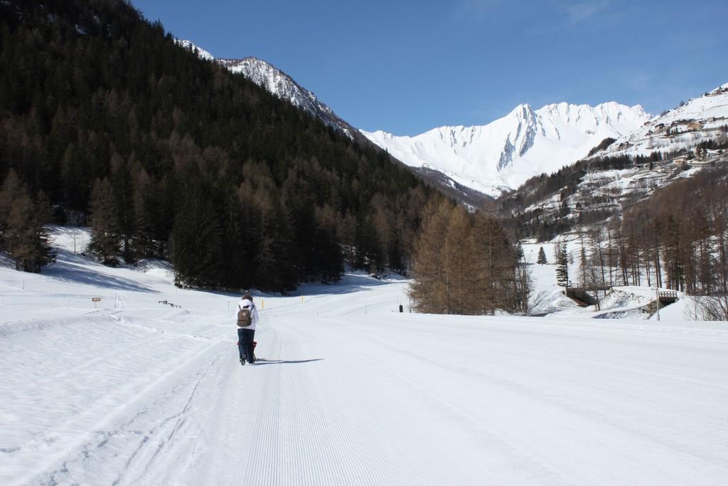 Kwietniowe narty. Na zdjęciu ośrodek jazdy biegowej Flassin.