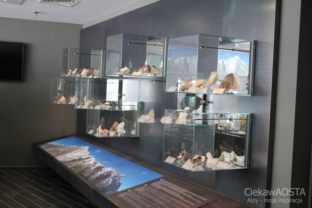 La sala dei cristalli, stała wystawa okazów kryształów znalezionych na masywie Mont Blanc.
