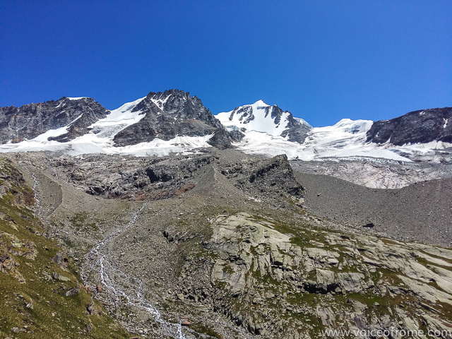 Panorama na Gran Paradiso ze schroniska Chabod