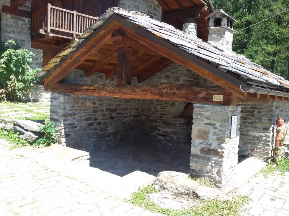 Stary piec, czyli forno del villaggio.
