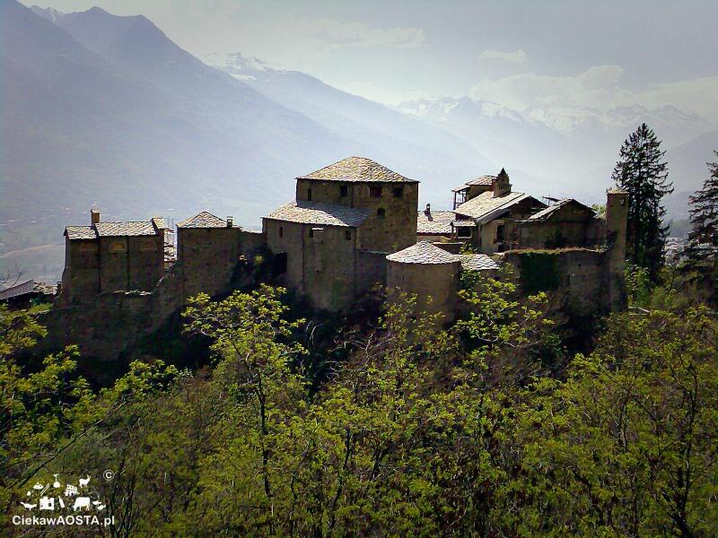 Zamek w Quart, przepiękna budowla z XII wieku.