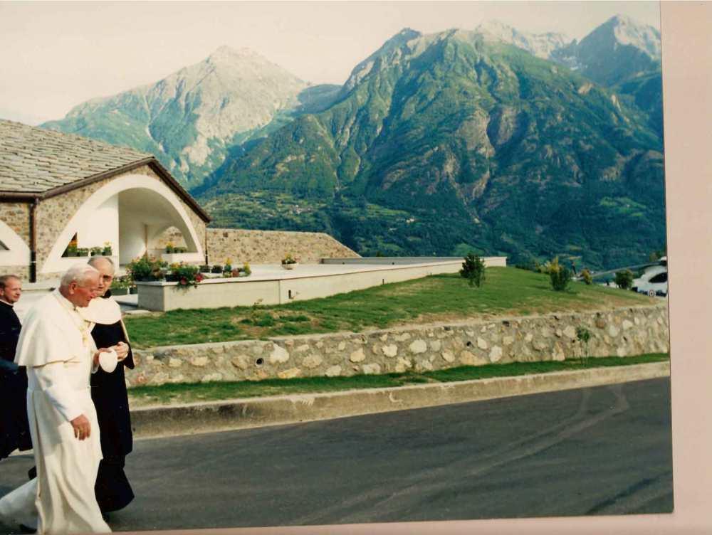 Jan Paweł II podczas wizyty w klasztorze w 1989 roku.
