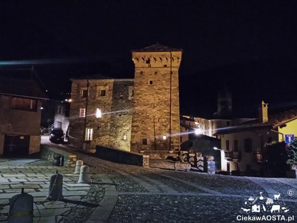Zamek Signori di Avise zamieniony w restaturację.