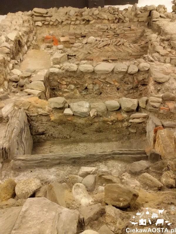 Rzymskie groby sięgające I w.