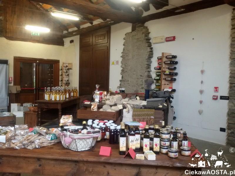 Sklep z lokalnymi produktami Tascapan znajduje się wewnątrz Maison Bruil.