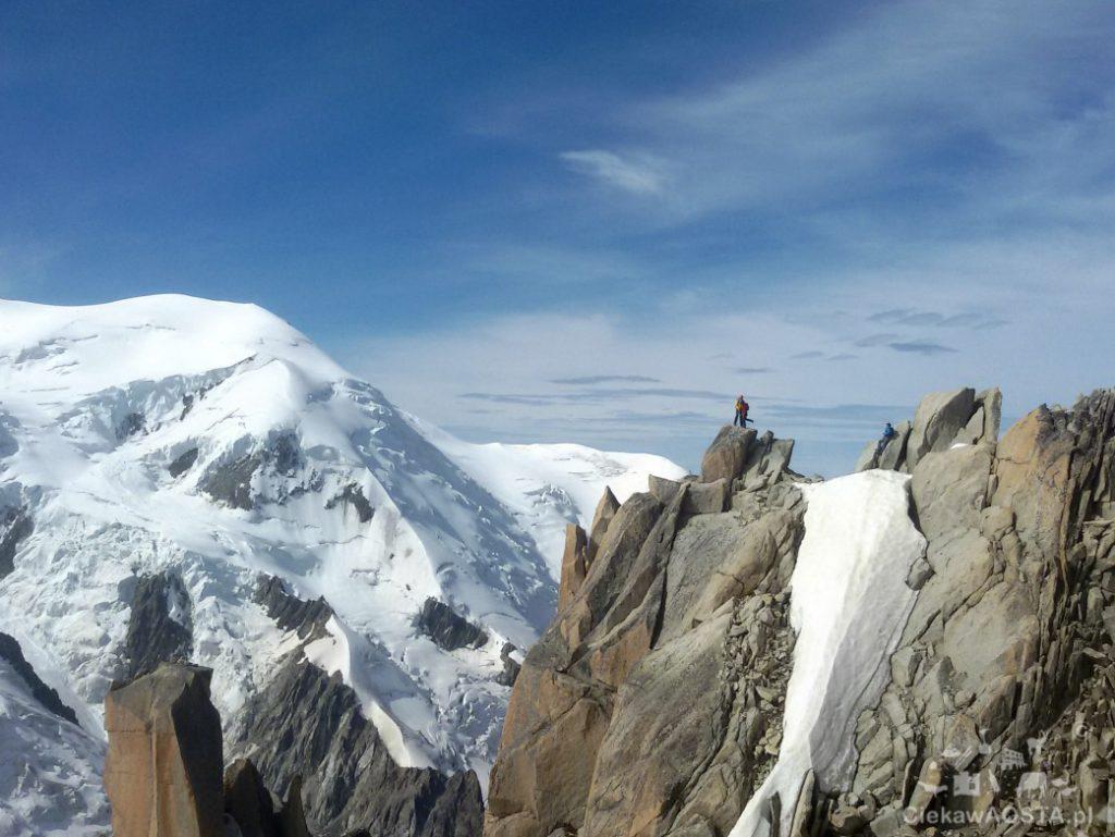 Alpinista na skałach! Wow!