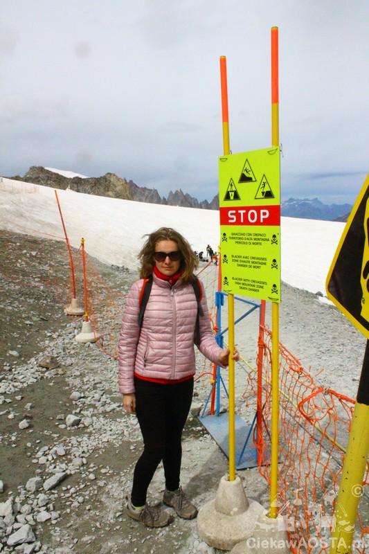Wyjście ze schroniska Torino na lodowiec.