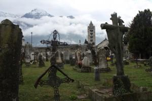 Cmentarz Sant'Orso, na drugim planie dzwonnica kościoła Sant'Orso