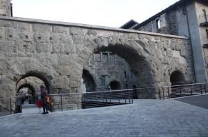 Porta Praetoria. Główne wejście do Augusta Praetoria Salassorum, wybudowana w 25 roku p.n.e. Miejscowść Aosta.