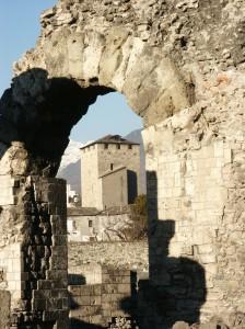 Łuk teatru rzymskiego w Aoście