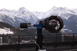 Teleskop na naturalnym tarasie w Obserwatorium astronomicznym w Saint-Barthelemy.