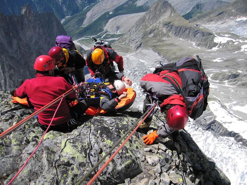 Ratownicy alpejscy podczas jednej z akcji ratunkowych.