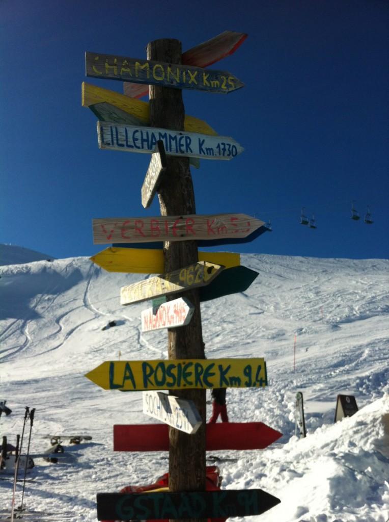 Zimą Mała Przełęcz Świętego Bernarda zamienia się w ośrodek narciarski Espace San Bernard