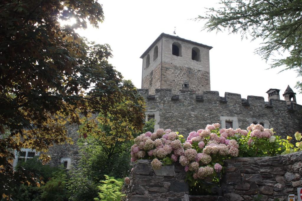 Zamki w dolinie Aosty, a na zdjęciu zamek w Introd, który gościł w zeszłą środę koncert muzyki klasycznej pt. Lenistwo...
