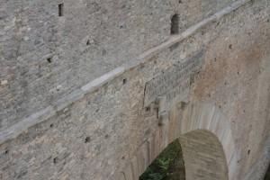 Rzymski most akwedukt Pont d'Ael po zakończonych pracach renowacyjnych w 2014 roku