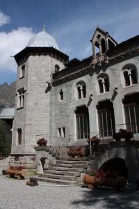 Główne wejście do zamku Savoia