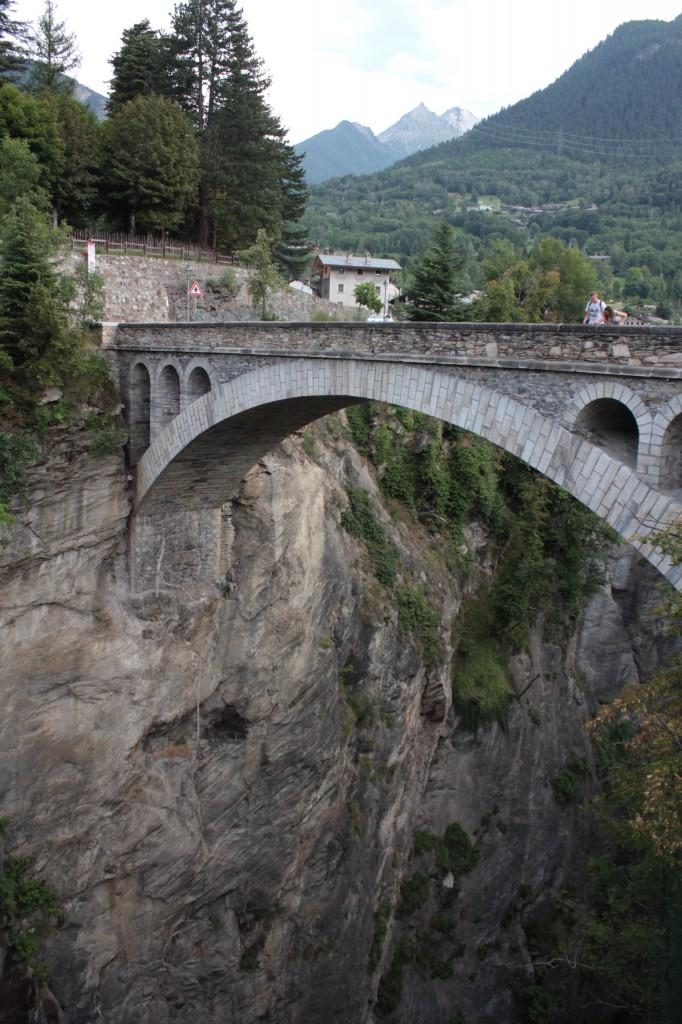 Most w Introd z początku XX wieku