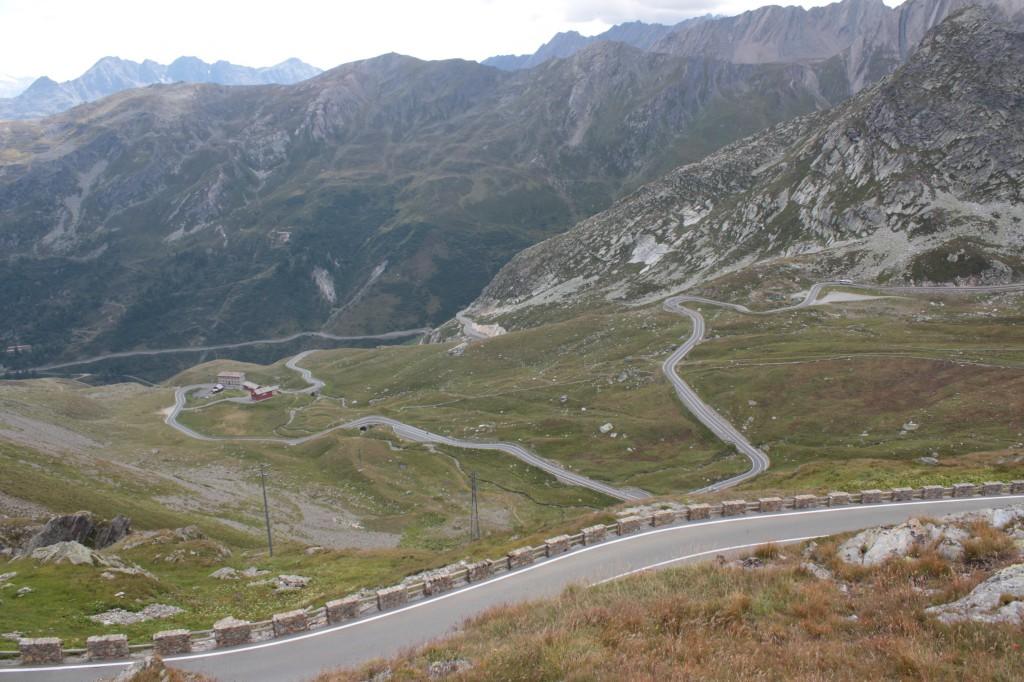 Droga prowadząca na przełęcz