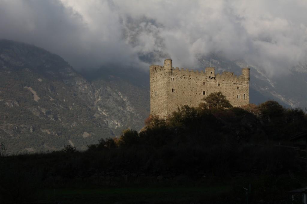 Zamek Ussel jesienią