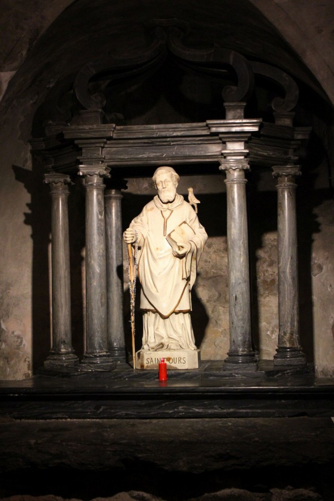 Pomnik Świętego Ursusa w krypcie kościoła