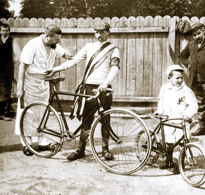 Najsłynniejszy emigrant z Doliny Aosty to Maurice Garin, który wygrał pierwszy wyścig Tour de France w 1903 roku. Źródło TU.