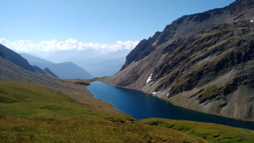 Alpejskie jezioro Licony, w drodze do biwaku Pascal
