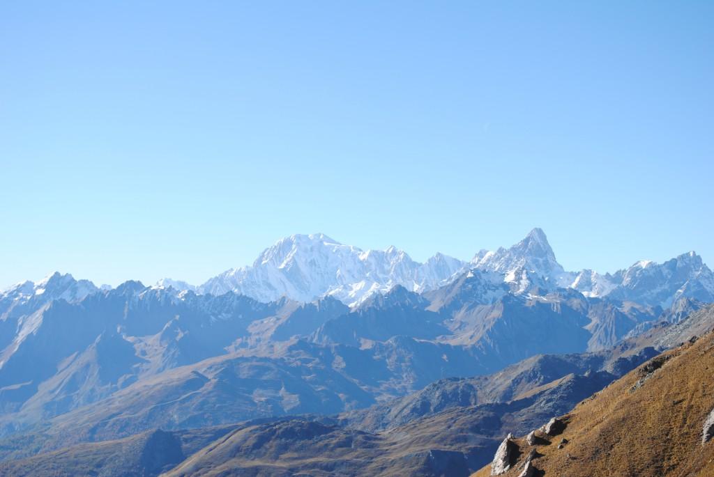 Widok na Mont Blanc z Col Champillon w Doues.