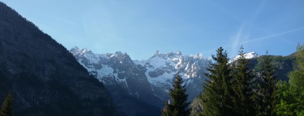 Widok na masyw Monte Biance z Courmayeur