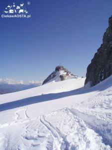 Stara stacja Punta Helbronner widziana z lodowca.