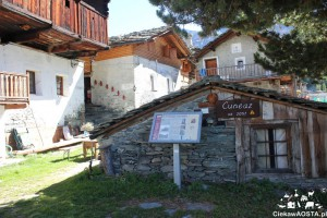 Wioska Cuneaz położona w Dolinie Ayas.