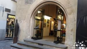 Kapliczka San Grato z XIII w. zamieniona w Galerię sztuki.