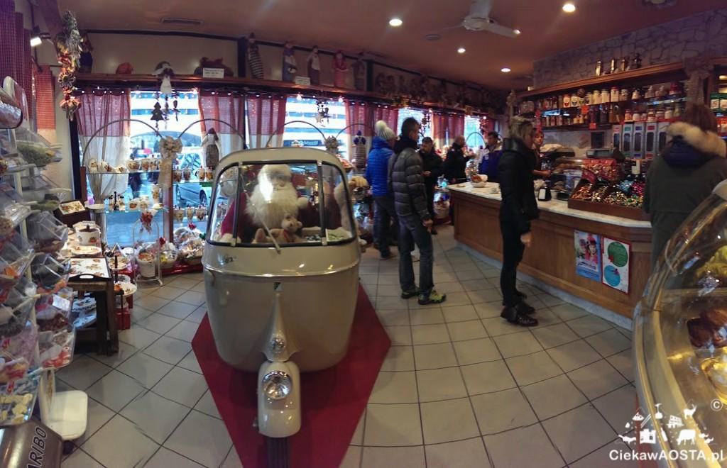Bar Viérin w Pollein, w ktrym wypijemy paloną przez nich kawę.