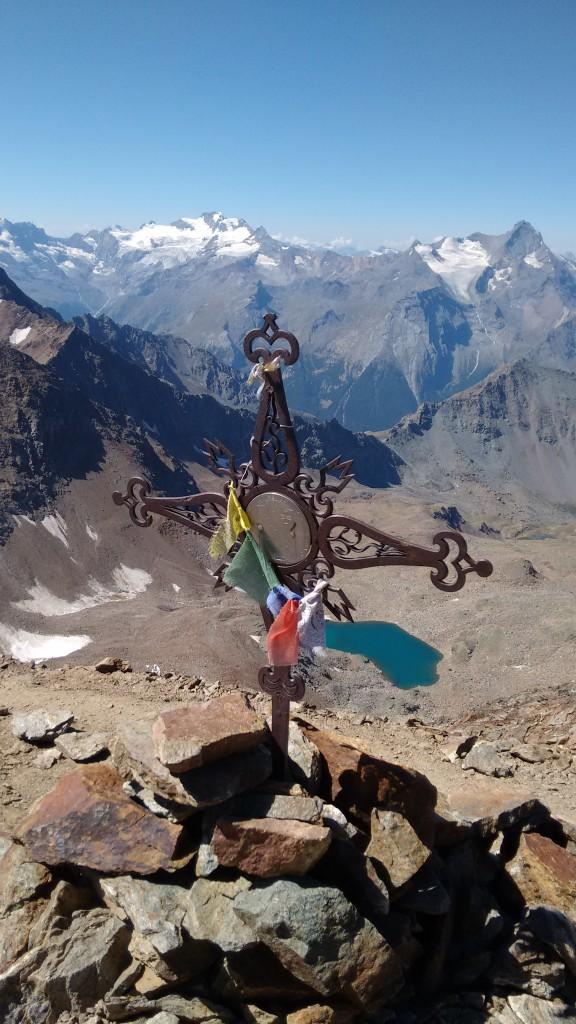 Wysokogórski szlak prowadzący na szczyt Monte Emilius 3559 m .n.p.m.