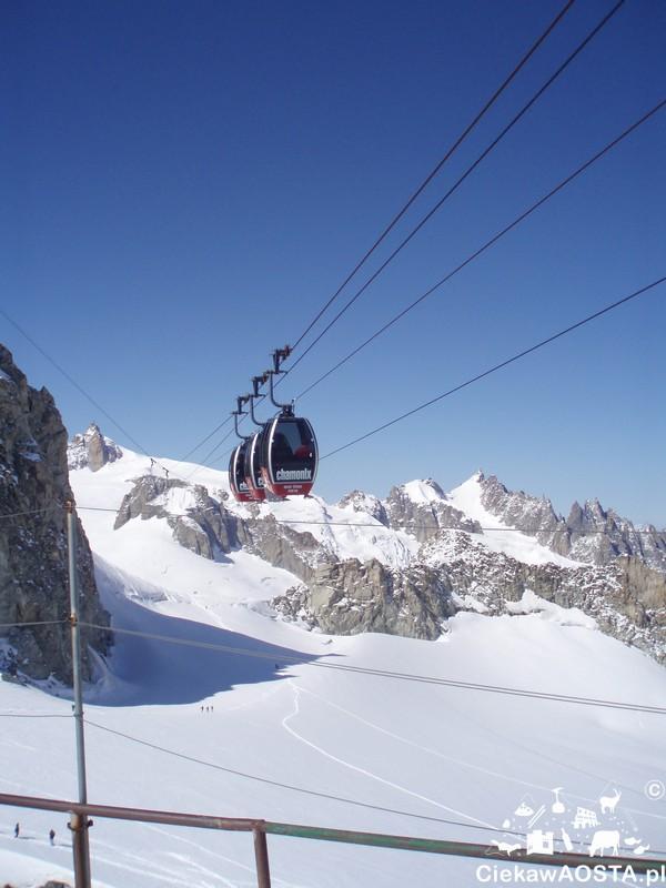 Odinek pomiędzy Punta Helbronner i Aiguille du Midi jest ponoć najpiekniejszy! Powiem wam to już niedługo, bo w czerwcu planuję wyprawę przez lodowiec oraz Le pas dans le vide ;-) .