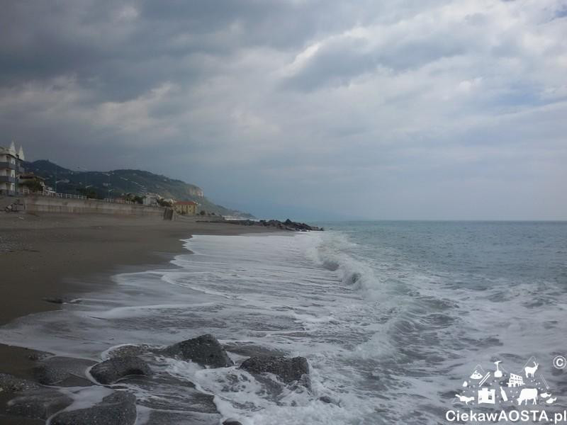 Morze Tyreńskie w okolicach Lamezia Terme.