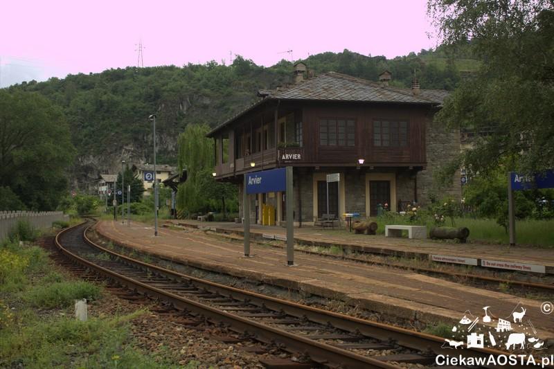 Stacja pociągu w Avise.