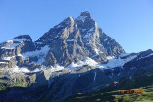 Matterhorm - po włosku zwany Cervino. Alpejski zterotysięcznik na granicy włosko-szajcarskiej, pomiędzy Valle d'Aosta i Kanton Valais.