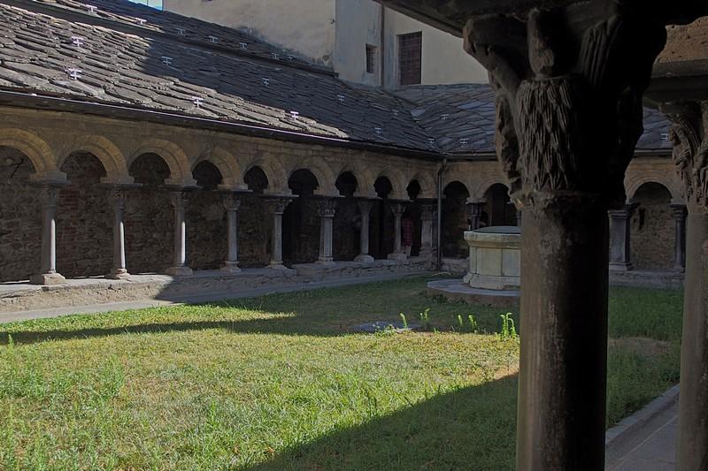 Krużganek w Aoście, jeden z zabytków z okresu romańskiego