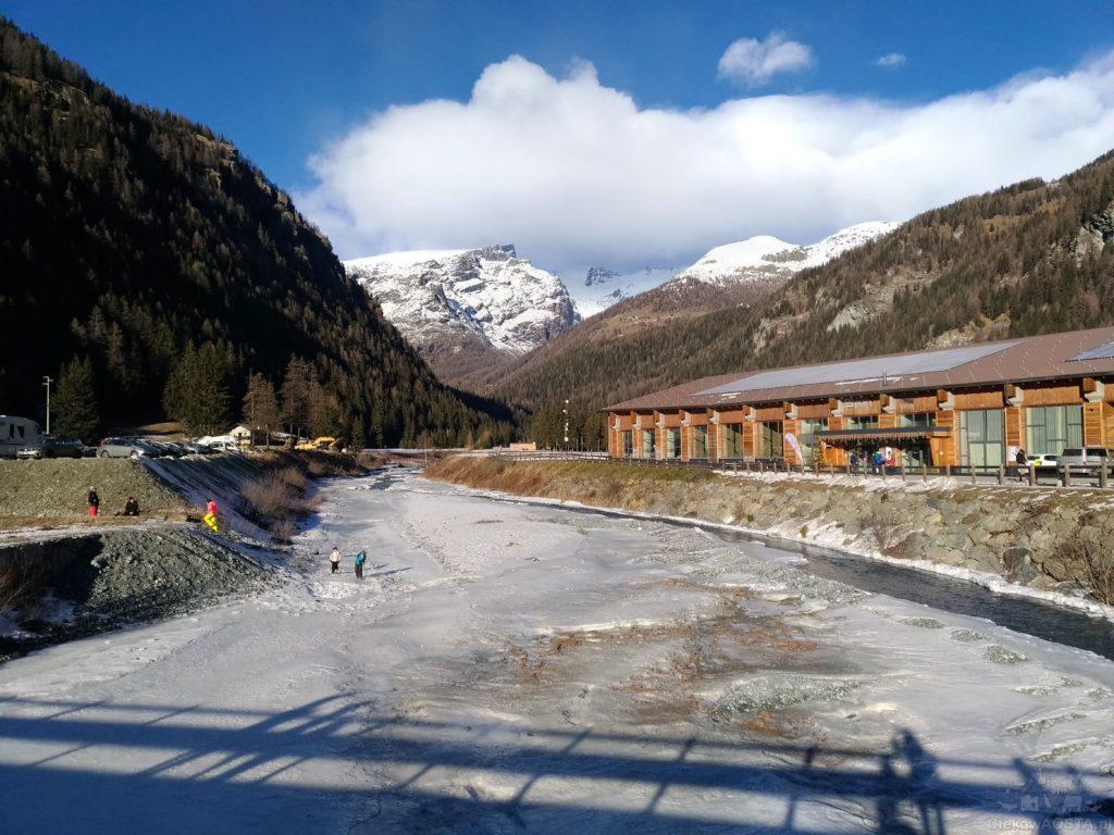 Widok na Spa Monte Rosa z zewnątrz