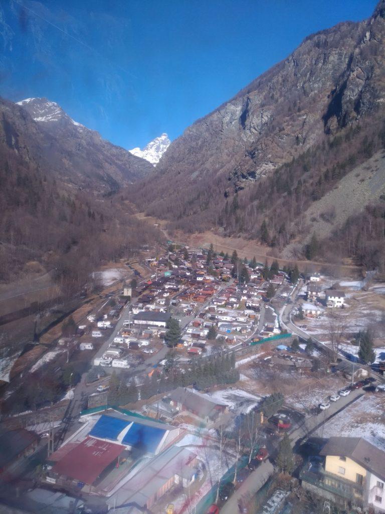 Widok z kolejki na Matterhorn